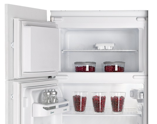 Frigorifero da incasso indesit in d 2412 s frigo doppia - Frigorifero combinato o doppia porta ...