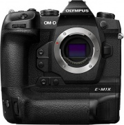 Olympus V207080BE000 Fotocamera mirrorless OM-D E-M1X - 20Mpx 4K 3840x2160
