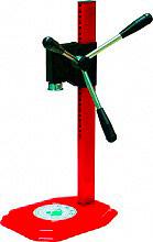 Omac 220 Tappatrice corona a colonna per tappi fino a ø 26 mm Regina