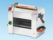 ROGA Macchina pasta Professionale spessore minimo 220mm Rullo in Legno SF220