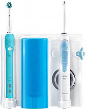 Oral-B Idropulsore + Spazzolino Elettrico Ricaricabile PRO700 - Waterjet Center